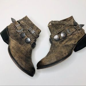 Naughty Monkey Buckle Western Booties Size 8.5